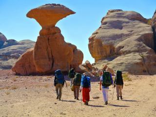 Приглашаем в пеший поход с рюкзаками по Иордании. Поход пройдет с 30 декабря по 8 января 2019. Уникальный авторский маршрут позволит Вам окунуться в атмосферу древних цивилизаций и культуры минувших эпох. Пойти в поход может любой желающий.